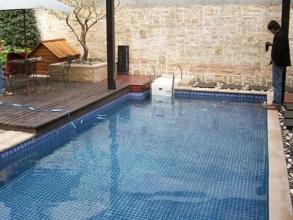 别墅游泳池(一体化壁挂机)